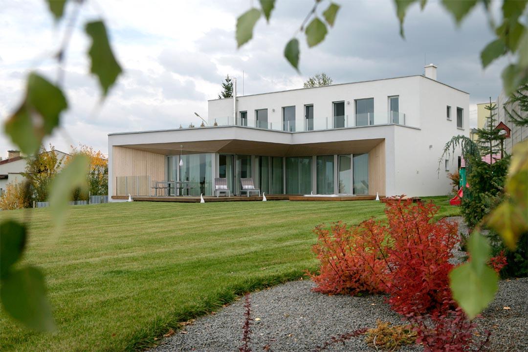 01_HOUSE-ON-THE-EDGE_VLADO-VAVREK-1