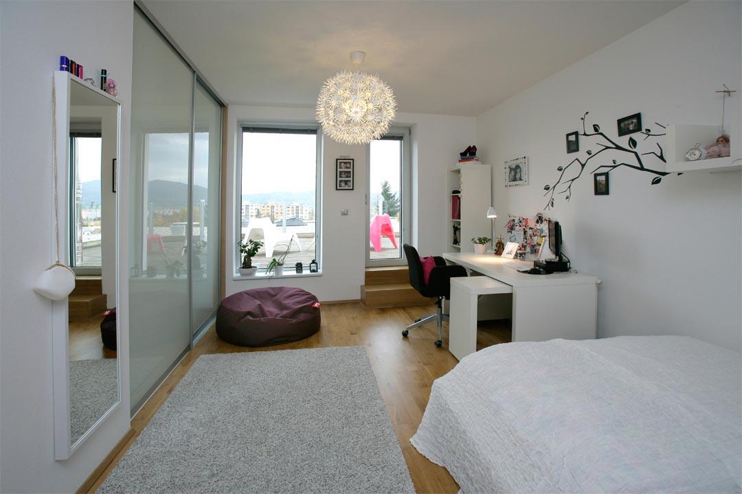 10_HOUSE-ON-THE-EDGE_VLADO-VAVREK